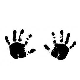 Réaliser l'empreinte de la main ou du pied de votre bébé