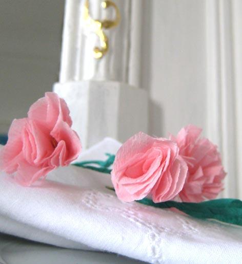 D coration de table anniversaire enfant - Activite avec papier crepon ...