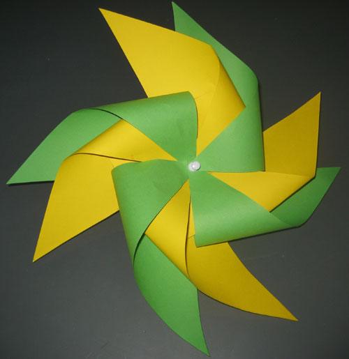 Moulin double en papier anniversaire enfant - Comment fabriquer un moulin a vent en papier ...