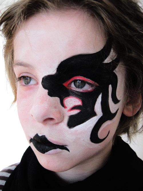 maquillage gothique anniversaire enfant. Black Bedroom Furniture Sets. Home Design Ideas